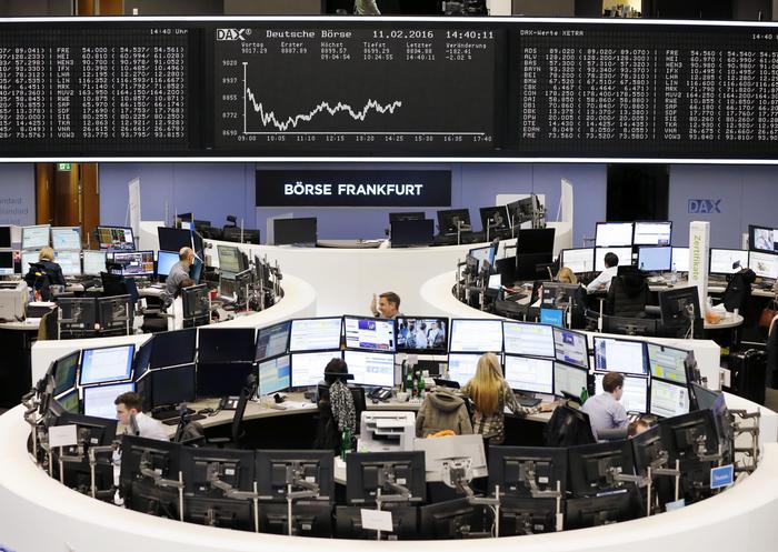 Borsa: Europa chiude in calo