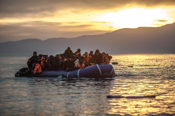 Migranti, naufragio davanti alla Libia: si temono 70 dispersi