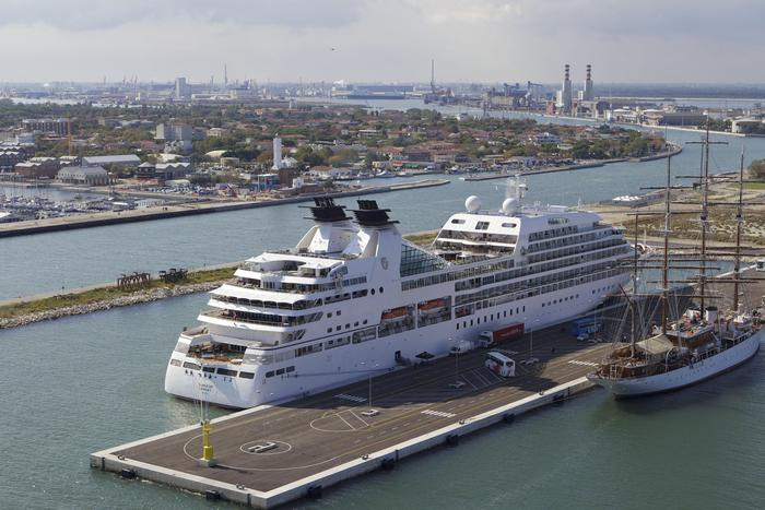 Porti: Ravenna, fondi europei per Green