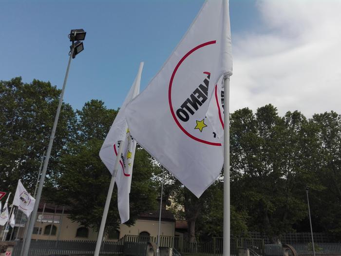 """M5s: """"In Basilicata incontri per il No"""""""