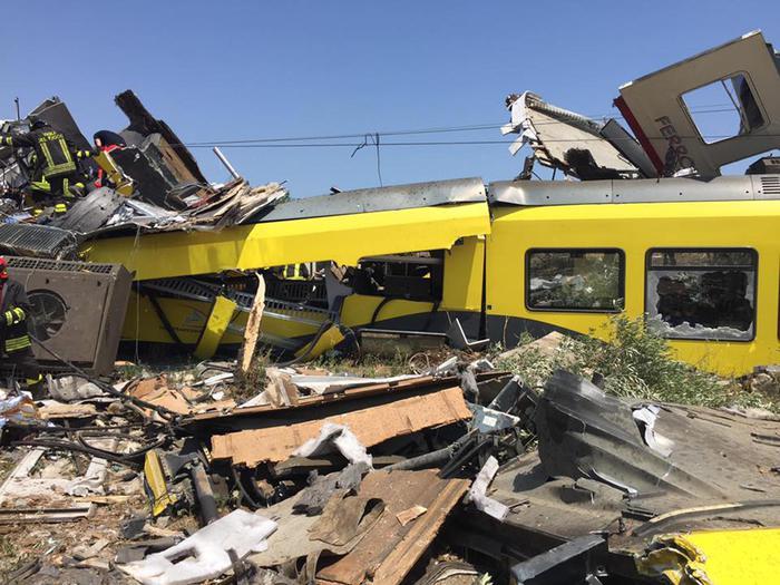 Scontro treni: commemorazione a Bari