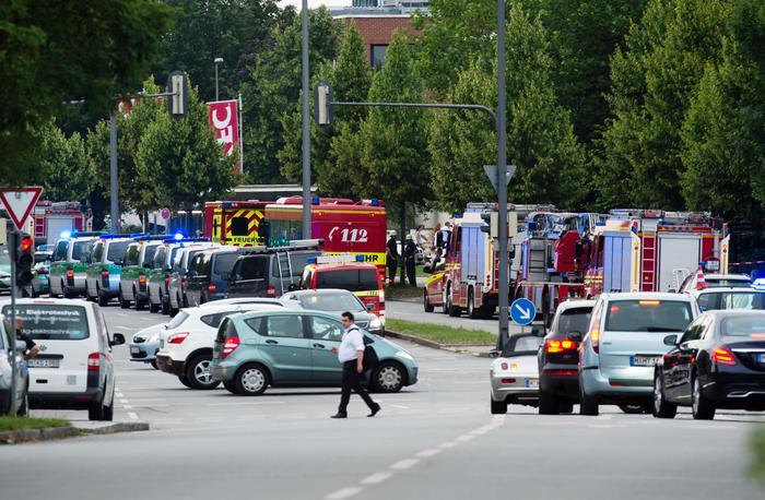 Germania, spari centro commerciale a monaco di baviera