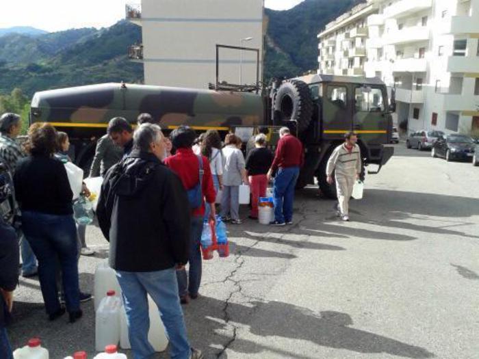 Bruciati tubi condotta idrica, Messina e l'incubo senza fine$