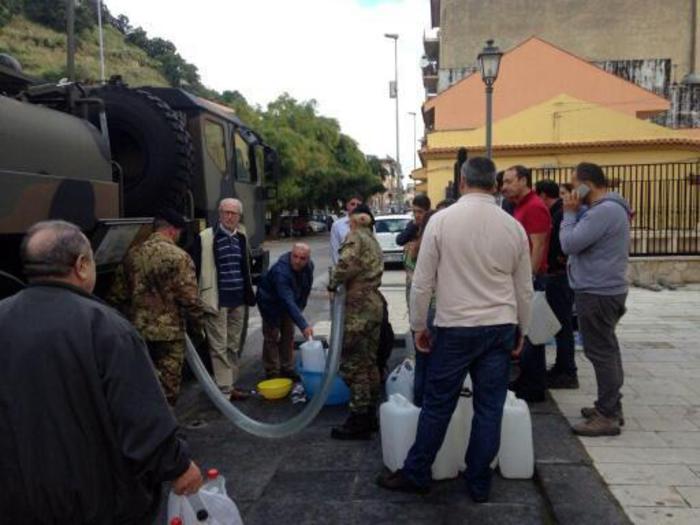 Messina e l'emergenza idrica: riparati due tubi