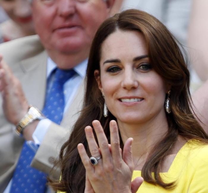 157118b21989 Kate a Wimbledon in giallo canarino - Cultura   Spettacoli - ANSA.it