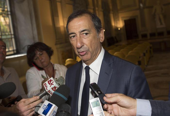 Il sindaco di Milano: 'Dipendenti del Comune parlino più in inglese'