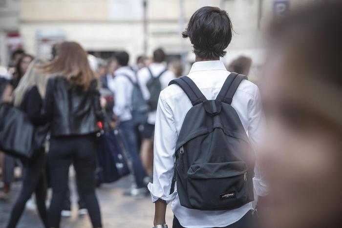 Studenti occupano liceo Roma, sgomberato