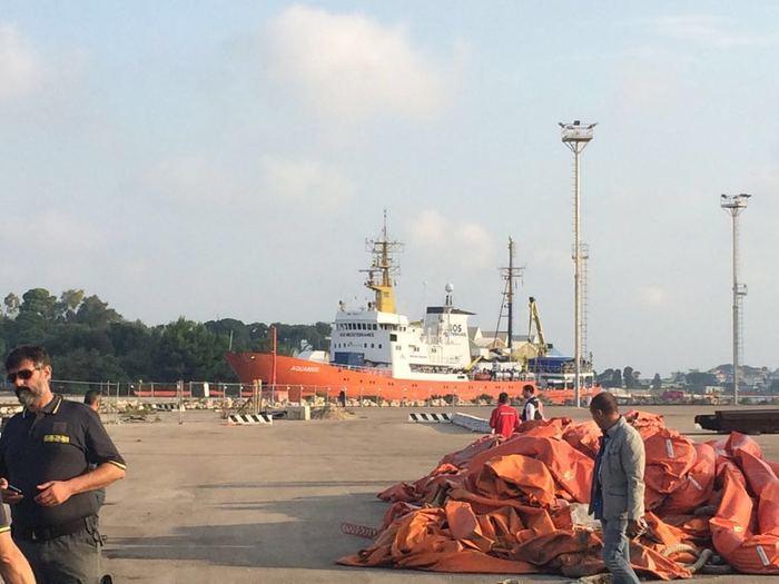 Brindisi, arrivata nave con 391 migranti