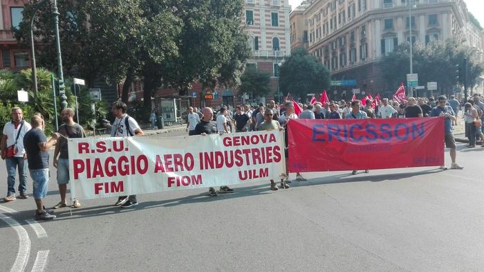 Sciopero, lavoratori bloccano p.Corvetto