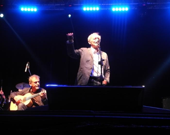 Musica: Vecchioni entusiasma a Catanzaro