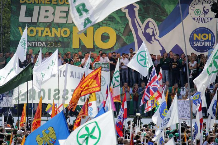 Salvini, 4/12 voto di legittima difesa