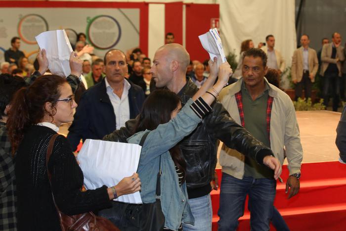 Referendum: Boschi contestata a Festa Unità Bologna