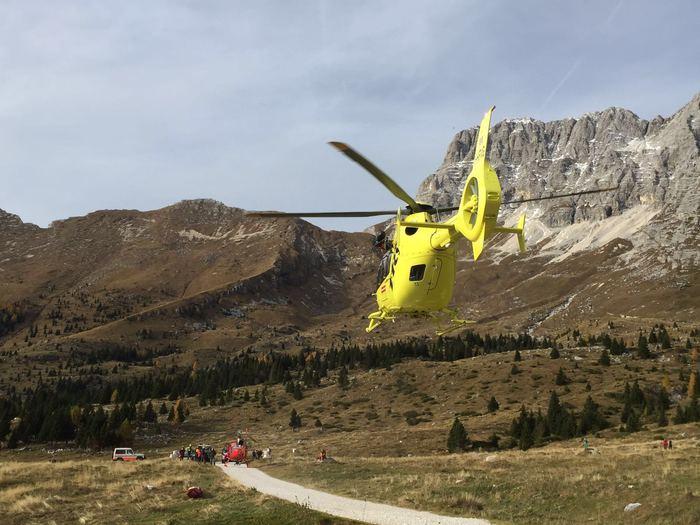 Incidenti montagna:stambecchi creano frana, alpinista ferita