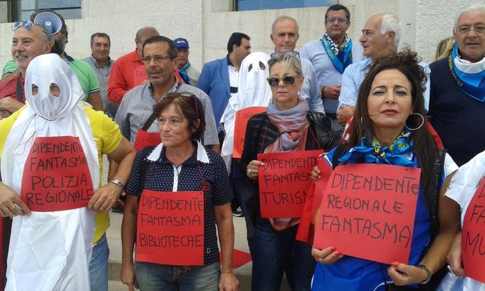 Protesta ex dipendenti Province a Bari