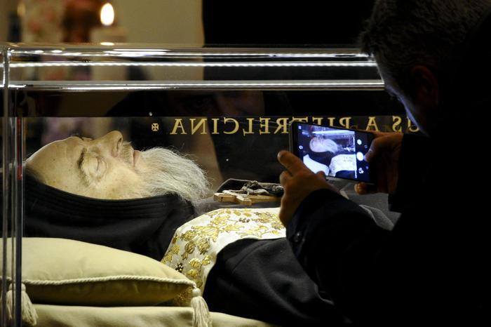 Reliquie Padre Pio volano in Australia