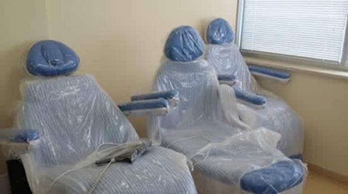 Nuove sedie per chemio restano imballate