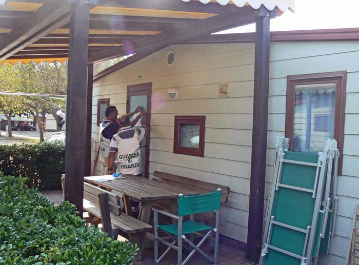Gdf sequestra strutture abusive camping
