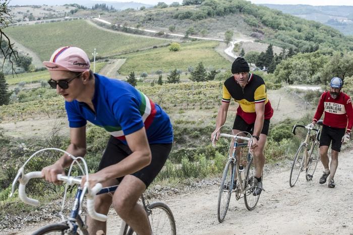 Ciclismo,torna l'Eroica 'fango e fatica'