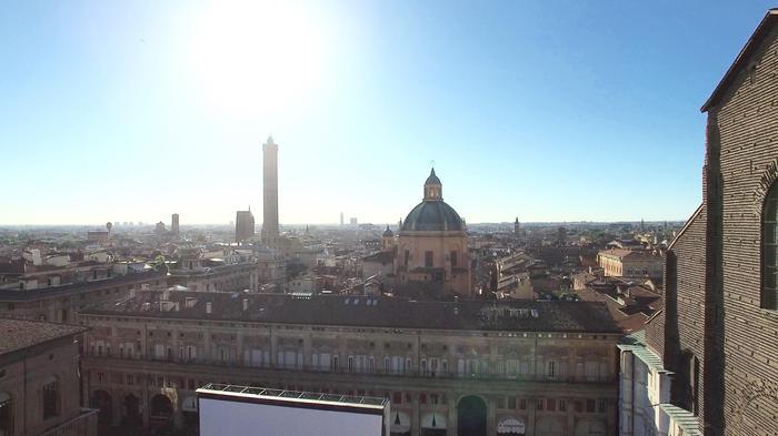 Bologna, ok a 'piazzetta Magnus'
