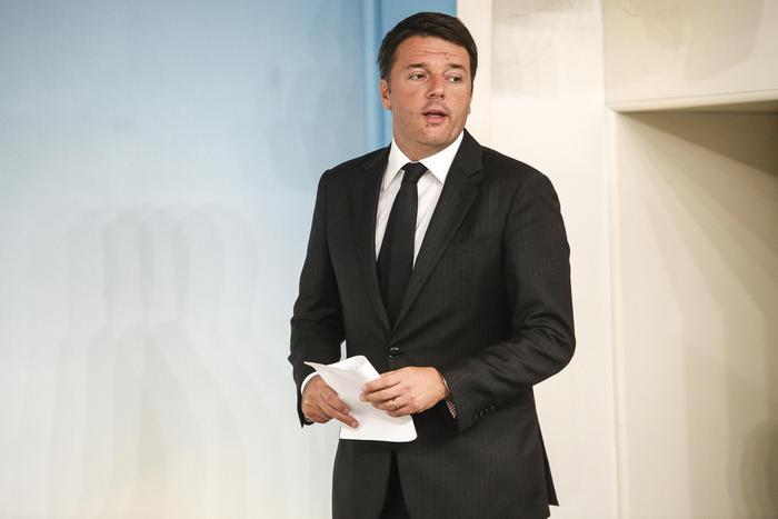 """Terremoto, Renzi: """"Approvato decreto. Non vi lasceremo soli"""""""