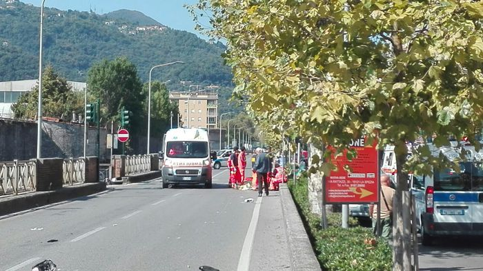 Motociclista muore in incidente a Spezia
