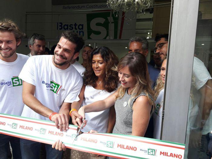 Boschi inaugura Casa del sì a Milano