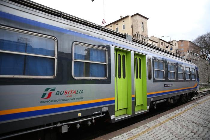 Treni Fcu a velocità massima ridotta