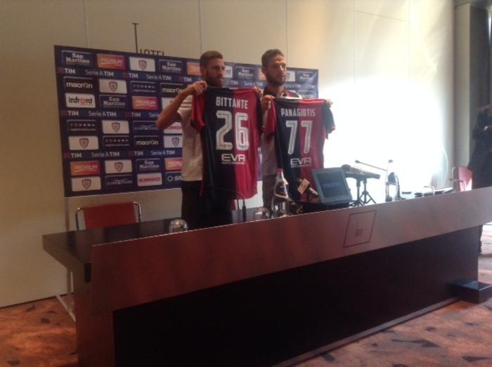Calcio:Cagliari presenta ultimi acquisti