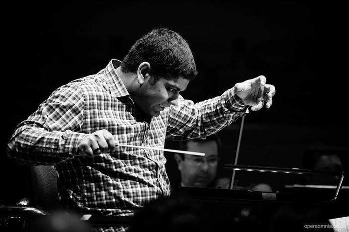 Chauhan direttore Filarmonica Toscanini