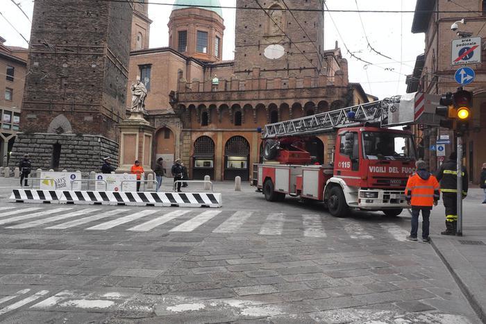 barriere antiterrorismo a bologna emilia romagna