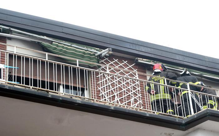 Tragedia a como il padre appicca il fuoco in casa per for Quanto sarebbe stato costruire una casa