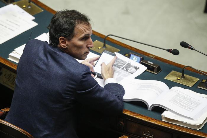 Manovra camera il governo pone la fiducia diretta dall for Diretta da montecitorio