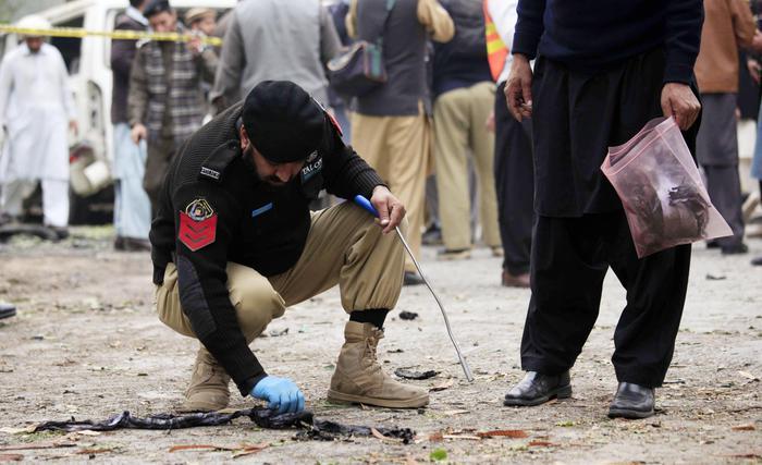 Pakistan: attentato al tempio, uccisi 39 terroristi Cce6eb6b7779d7cf4c179310b4008f8e