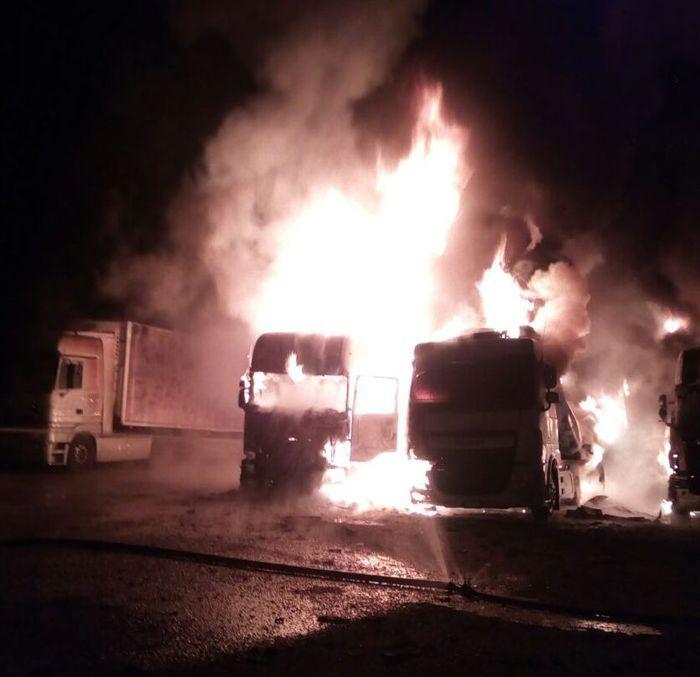 Incendiati quattro Tir a Vittoria, grave un autista$