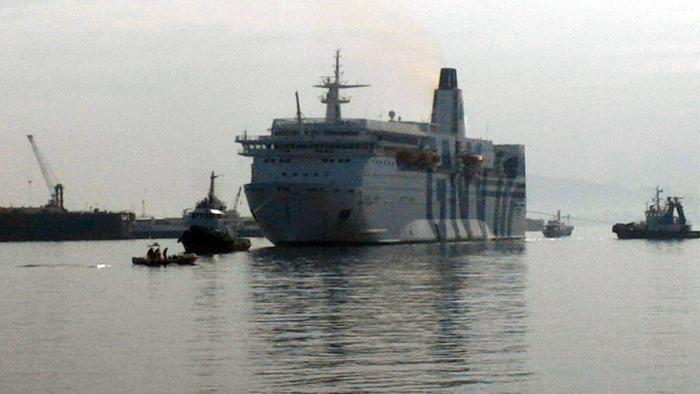 Incendio su un traghetto al porto di Palermo, nessun ferito$
