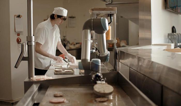 Troppo veloce e non fa squadra, licenziato robot-chef - Hi-tech
