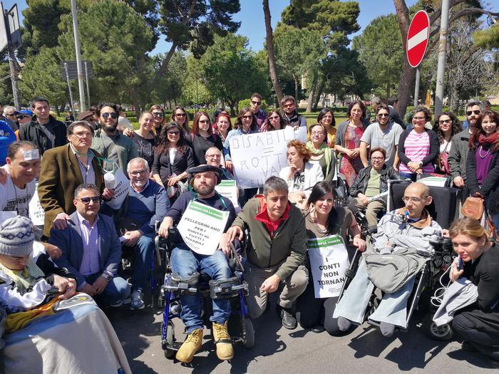 La marcia dei disabili di Palermo: