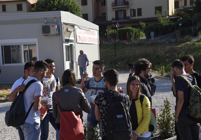 2415031f0a Maturità 2017, le tracce della prova di Italiano: Giorgio Caproni, la  natura, i robot e la ricostruzione - Speciali - ANSA.it