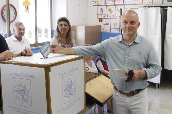 Ballottaggi: in Sicilia alle 12 affluenza al 12,15%$