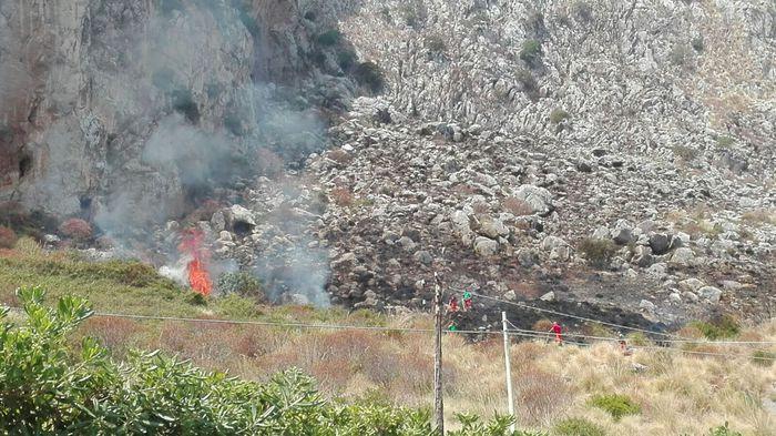 Sicilia nella morsa del caldo e del fuoco$