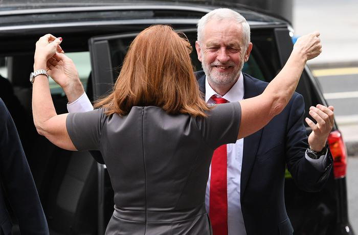 Regno Unito: i Conservatori hanno perso la maggioranza