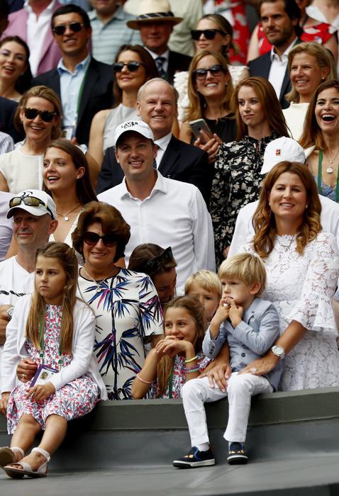 Federer oltre la leggenda, ottavo trionfo a Wimbledon