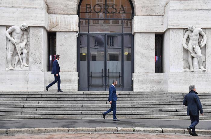 a0a3b9e33b Borsa: Milano debole (-1,4%) con Europa - Economia - ANSA.it