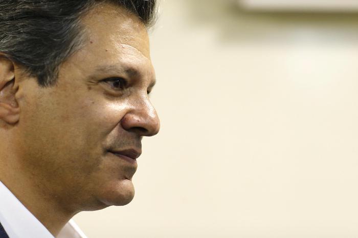 Brasile: Haddad prende distanze da Lula