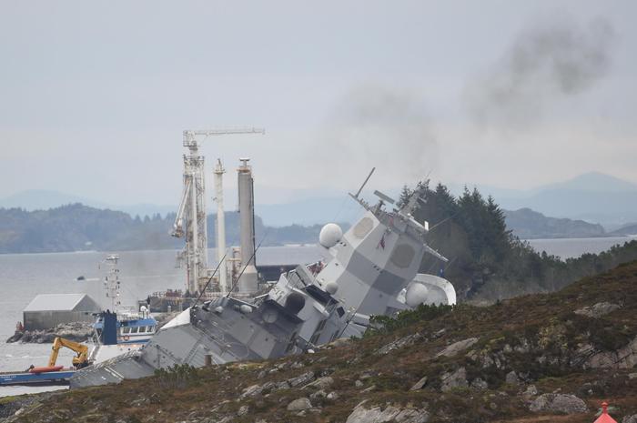 Norvegia: collisione petroliera-fregata - Mondo