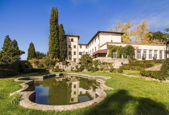 Villa Bibbiani Sold For 10 Mn Another 10 For Restoration