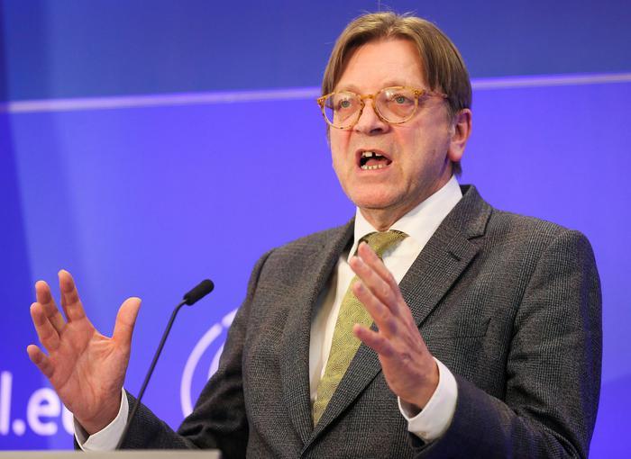 Verhofstadt, non cooperare con Salvini - Europa