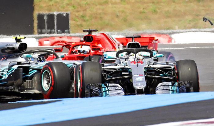 Il contatto tra Vettel e Bottas