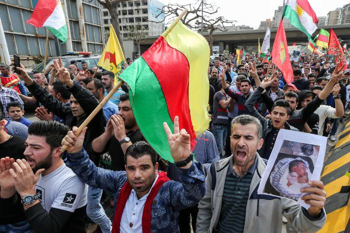 Siria: curdi agli Usa, aiutateci