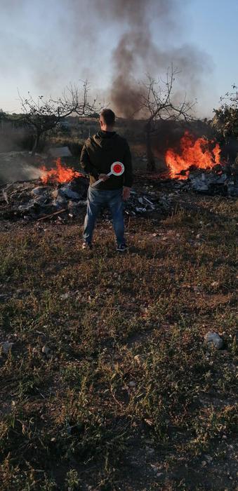 Incendiano rifiuti speciali, denunciati